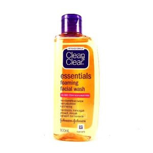 Clean & Clear Essentials Foaming Face Wash-100ml